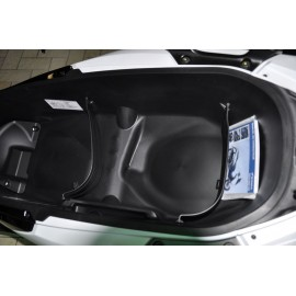 81256-K40-F00 : Honda Trunk Wall Forza 125